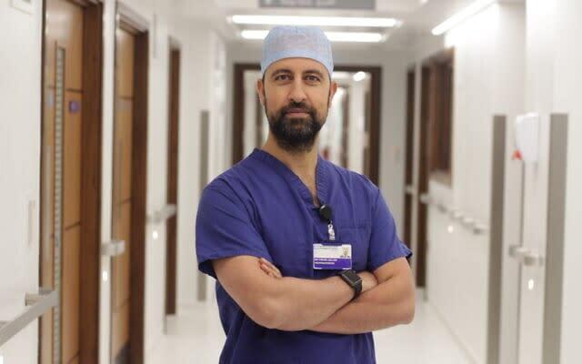 Muslim pediatric neurosurgeon from the UK helped separate Israeli Jewish conjoined twins